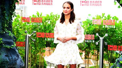 Alicia Vikander wallpaper entitled Alicia Wallpaper