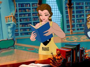 Belle in her WiR2 casual attire