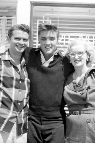 Elvis At Sun Recording Studio - Elvis Presley Photo (41602949) - Fanpop