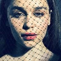 Emilia Clarke ikon-ikon