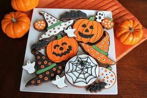 Happy Хэллоуин my sweet Rach🍂🎃