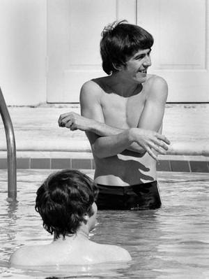 Having fun in the pool! 😎