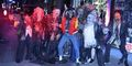 Someone as werewolf mike with the zombie dancers  - michael-jackson photo