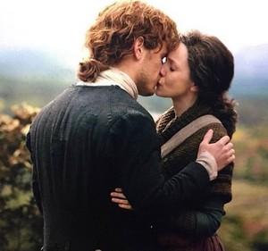 Jamie and Claire किस - Season 4
