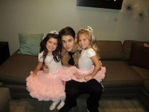 Justin Bieber, Sophia Grace and Rosie