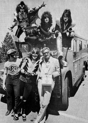 キッス and Stan Lee Borden Chemical Company ~Depew New York, May 25, 1977
