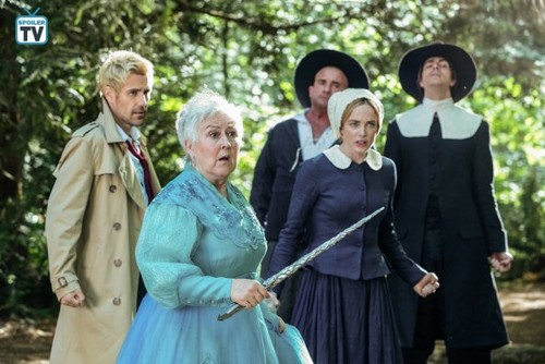 DC's Legends of Tomorrow Hintergrund called Legends of Tomorrow - Episode 4.02 - Witch Hunt - Promo Pics
