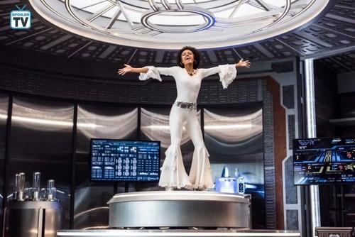 DC's Legends of Tomorrow wallpaper called Legends of Tomorrow - Episode 4.03 - Dancing queen - Promo Pics