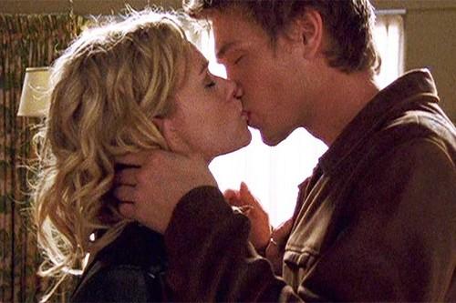 baisers célèbres fond d'écran titled Lucas and Peyton