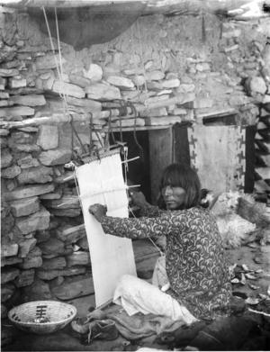 Male Hopi weaver at Moenkopi, Arizona -Wharton -ca.1898
