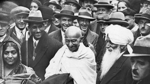 Ghandi Hintergrund titled Mohandas Karamchand Gandhi