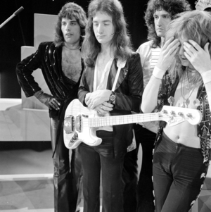 queen on the Dutch TV tampil puncak, atas Pop in November 1974