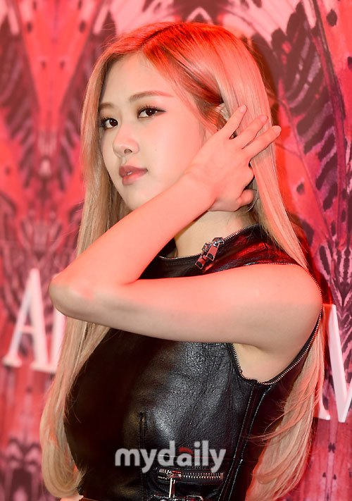 Rose Blackpink Images Rose At Alexander Mcqueen Launch Event