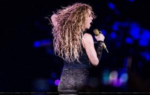 Shakira performs in Amsterdam (June 9)