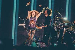 샤키라 performs in Antwerp (June 9)