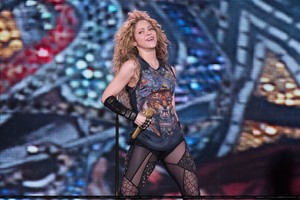 Shakira performs in Luân Đôn [June 11]