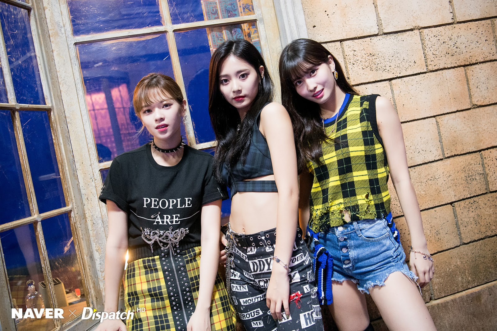 TWICE 'Yes au Yes' MV Shooting - Jeongyeon, Momo, Tzuyu