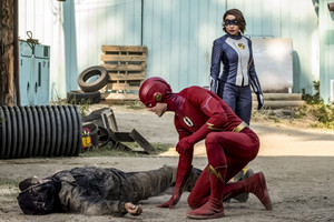 "The Flash 5.03 ""The Death of Vibe"" Promo Bilder ⚡️"