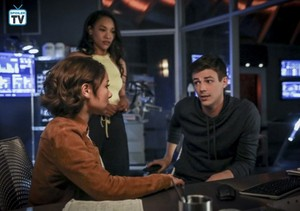 The Flash - Season 5 - Episode 5.02 - Blocked - Promo Pics