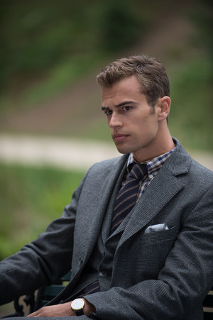 Theo James in लंडन Fields