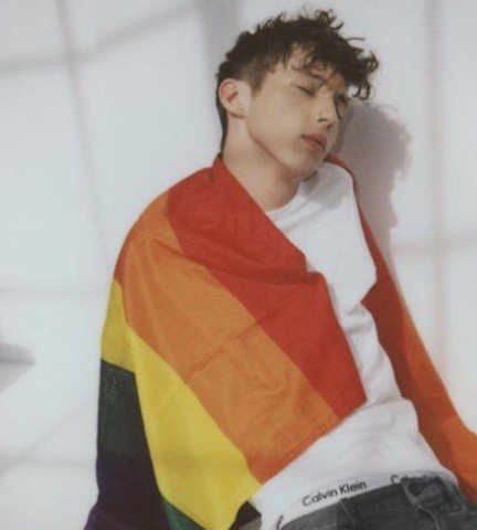 Troye is so gorgeous, it hurts♥