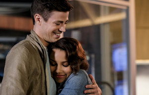 "The Flash 5.03 ""The Death of Vibe"" Promo picha ⚡️"