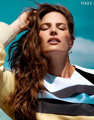 Cameron Russell for Vogue Thailand [August 2018]
