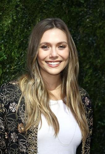 Elizabeth Olsen fond d'écran called Elizabeth Olsen