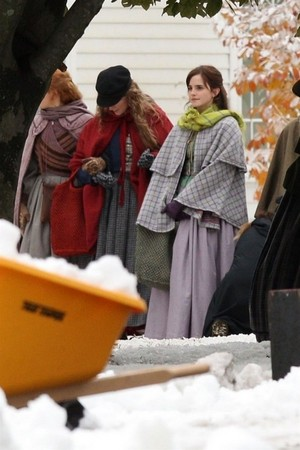 Emma Watson filming with Saoirse Ronan, Florence Pugh and Eliza Scanlen in Harvard