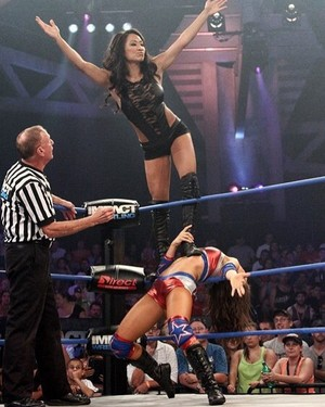 Gail Kim Over Brooke Tessmacher