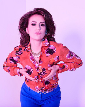 Insatiable - Season 1 Photoshoot - Alyssa Milano as Coralee Armstrong