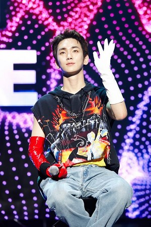 KEY's showcase for 'FACE'!