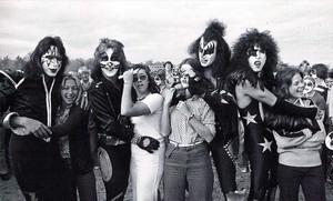 吻乐队(Kiss) ~Cadillac, Michigan…October 9-10, 1975
