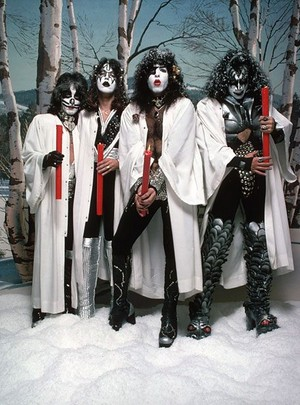 KISS ~Hollywood, California...October 19, 1976 (Creem Magazine تصویر session)