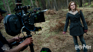 New/old picture of Emma Watson on set of Harry Potter