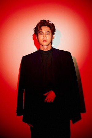 SUHO 'LOVE SHOT '