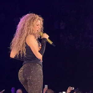 Shakira performs in Paris (June 13)