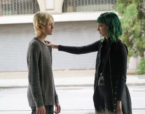 """The Gifted (TV Series) wallpaper entitled The Gifted """"eneMy of My eneMy"""" (2x10) promotional picture"""