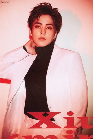 XIUMIN LOVE SHOT