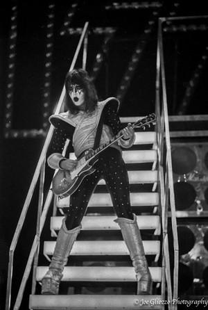 Kiss (NYC) December 14-16, 1977 Photographer Joe Gliozzo