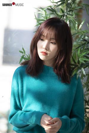 2019 Season's Greeting behind - Yuju