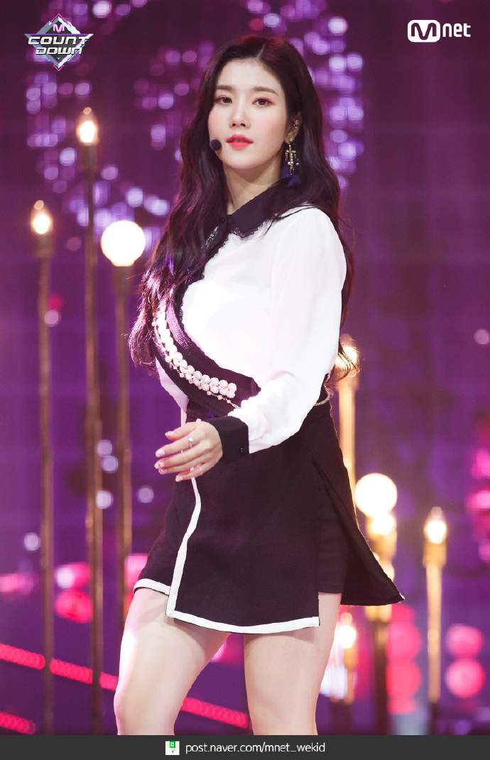 Eunbi - IZ*ONE Photo (41829875) - Fanpop