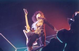 kiss ~Reading, Massachusetts...November 15-21, 1976