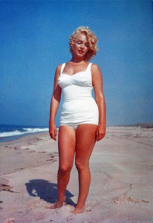 Marilyn At The ビーチ
