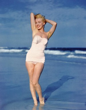 Marilyn On The ビーチ