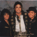 Michael Jackson Backstage His Family