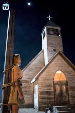 """Midnight, Texas """"Yass, Queen!"""" (2x09) promotional picture"""