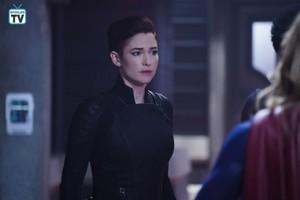 Supergirl - Episode 4.10 - Suspicious Minds - Promo Pics