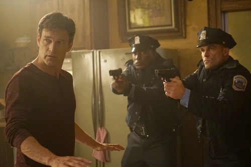 """The Gifted (TV Series) 바탕화면 entitled The Gifted """"meMento"""" (2x11) promotional picture"""