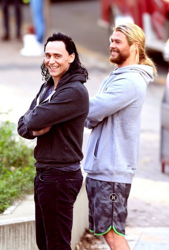 Thor: Ragnarok fond d'écran called Thor Ragnarok (2017)